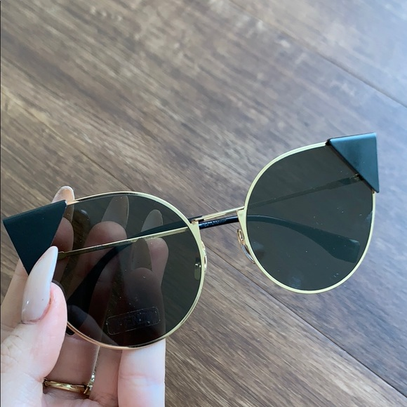 71457a5fd238 Accessories - FENDI SUNGLASSES